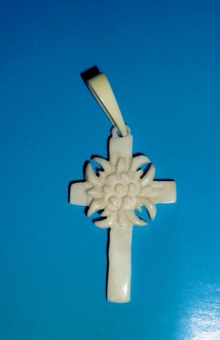 Antiker Kreuzanhänger Mit Edelweiss Bein Beinarbeit Bild