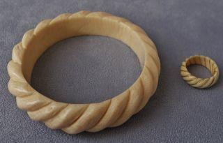 Gedrechter Armreif Und Ring Aus Bein Geschnitzt Art Deco Schmuck Ring Mit Gold Bild