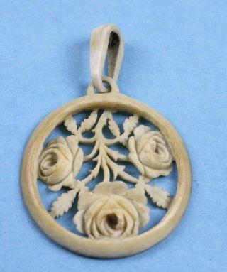 Schöner Jugendstil Beinanhänger Durchbrochen Floral Geschnitzt 1900 Bild