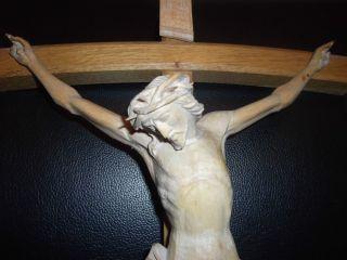 Jesus Christus Am Holzkreuz Kruzifix 60 Cm Oberammergauer Schnitzarbeit Bild