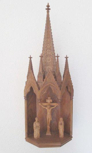 Große,  Gotische,  Aufwändige Schnitzerei,  Hausaltar,  Tabernakel,  Kreuzigungsmotiv Bild
