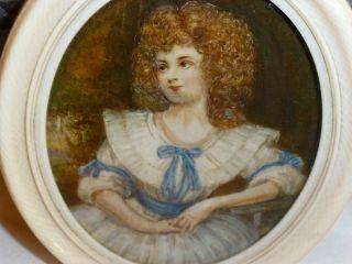 Miniatur Malerei Auf Bein 1830 - 1850 Ovaler Rahmen Auch Aus Bein Bild