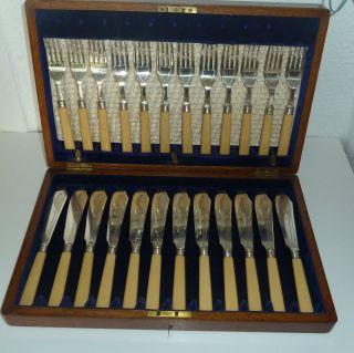 Besteck Für 12 Personen,  Silber,  Mit Kasten Aus Holz,  Schwer 2,  5 Kg Bild