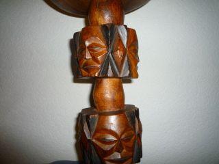 Massives Podest Mit Figuren Holz Handgeschnitzt Ständer Holzständer Bild
