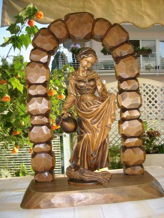 Holzfigur - Heiligenfigur - Hl.  Elisabeth In Torbogen - Konsole - Geschnitzt - Deko - 50cm Bild