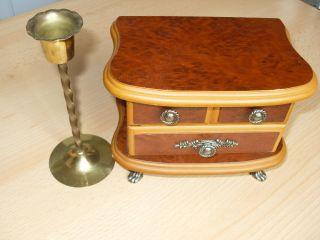 Schöne Schmuckschatulle Holz,  Schöne Gestaltung Und Beschläge Kerzenständer Bild