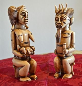 Paar Beinfiguren,  Afrika,  Um 1900,  Höhe 17 Cm,  Gewicht 720 Gramm. Bild