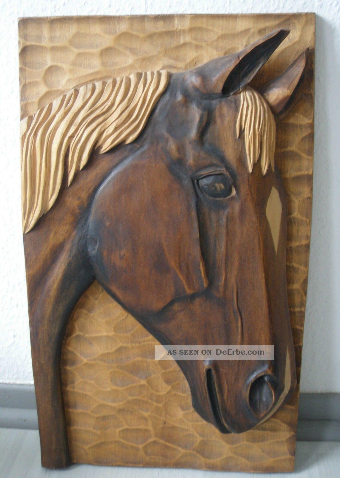 pferdekopf relief aus holz handgeschnitzt pferd bild pferdebild. Black Bedroom Furniture Sets. Home Design Ideas