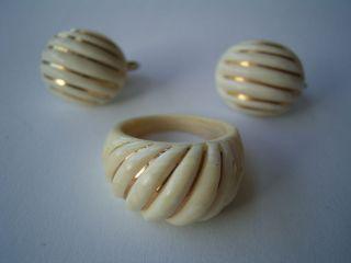 Wunderschöne Bein Ohrclips Und Bein Ring Mit 585 14 Karat Gold Aus Nachlaß Bild