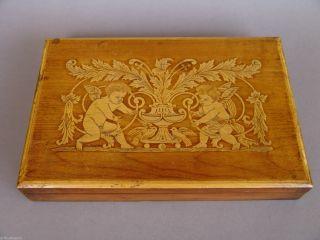 Alte Holzschatulle Mit Brandmalerei,  Puttos,  Empire Motiv Bild