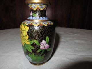 Schöne Alte Emaillierte Vase Mit Blüten Cloisonné,  China,  Wohl 19.  Jahrhundert Bild
