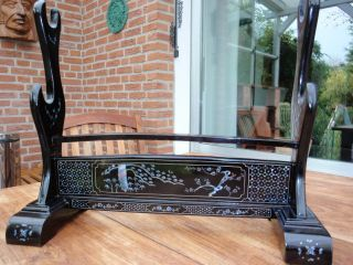 Sword Rack Katanakake Samurai Antique Japanese Sword Armour Kabuto Koshirae Bild