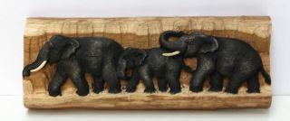 Elefantenfamilie Elefant Holz Baumstamm Wandbild Relief Skulptur 38cm Nr.  33 Bild