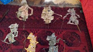 6 Wayang Kulit Figuren Indonesien Schattenfiguren Leder Mit Herstellungsserie Bild