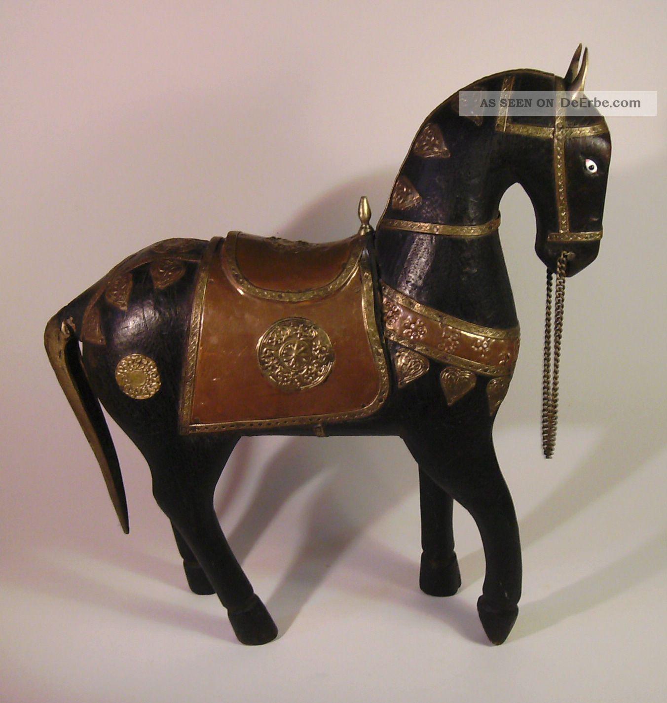 dekoratives gro es pferd aus holz mit beschl gen aus kupfer u messing indien. Black Bedroom Furniture Sets. Home Design Ideas