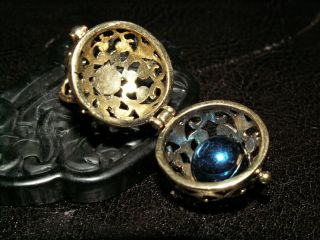 1 Messing Amulett Medaillon Kugel Duftkugel Engelsrufer Klangkugel Anhänger Bild