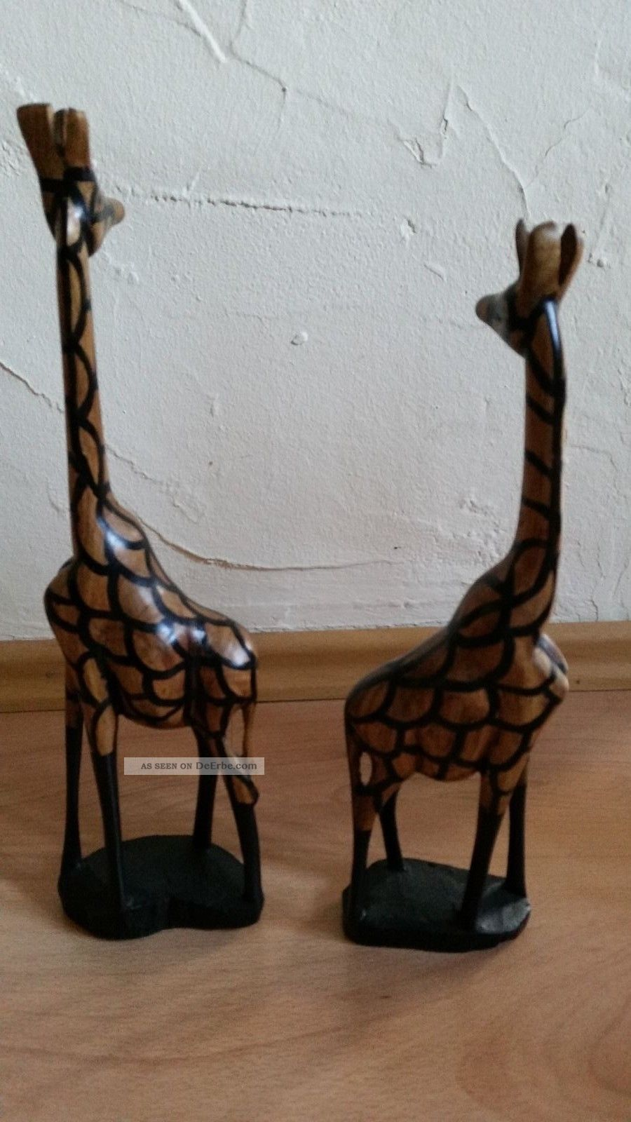 afrikanische figuren giraffen aus massivholz handgeschnitzt westafrika. Black Bedroom Furniture Sets. Home Design Ideas