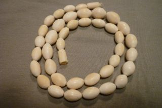 Antike Kette Aus Echtem Bein Halskette Mit Ovalen Perlen Bild
