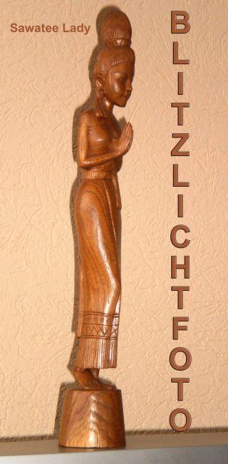 Zierliche Sawatee Skulptur - Thailand - 50cm - Holz - Handgeschnitzt - 1960er Bild