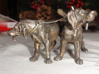 Schöne Sehr Alte Bronze,  2 Jagdhunde,  Schöne Darstellung,  Massiv 930 Gramm Bild