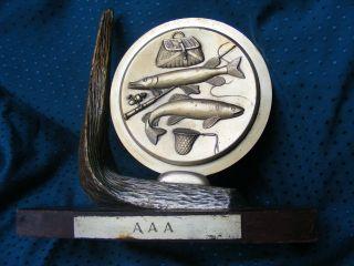 Alter Schwerer Aaa Angelpokal Angelpreis Metall Auf Holz Fisch Angler Selten Bild