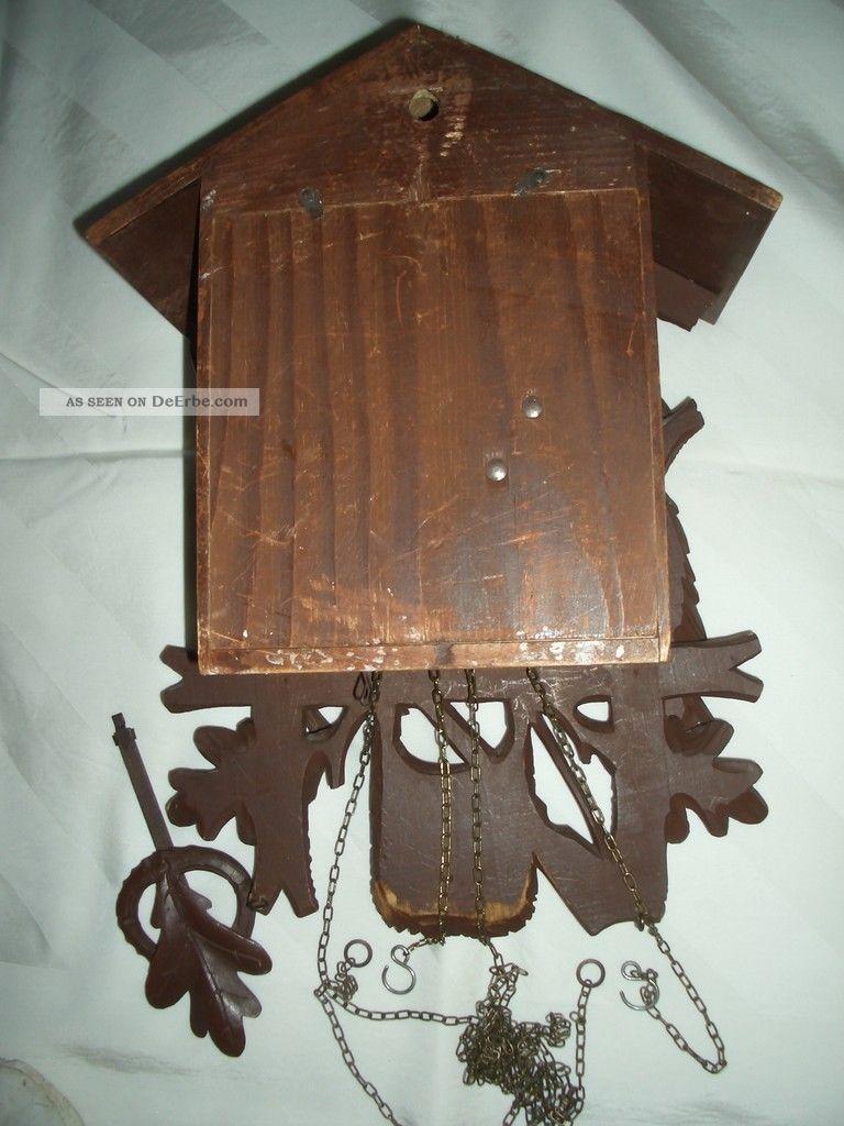 alte kuckucksuhr mit kettenzug und pendel. Black Bedroom Furniture Sets. Home Design Ideas
