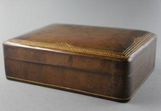 Alte Zigarren/zigaretten Anbiet - Schatulle,  Leder Mit Goldprägung,  20x15x7 Cm. Bild