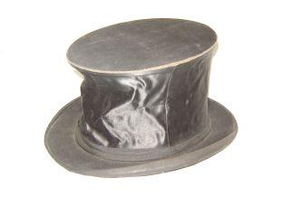 Alter Zylinder,  Chapeau Claque,  Klappzylinder,  Dachbodenfund Bild