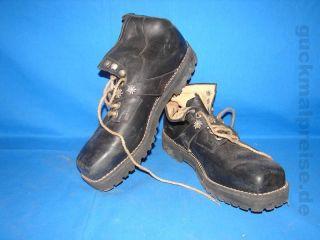 Sad 17 Alte Wanderschuhe Schuhe Art Deko Wandern Edelweiß Garten Gr.  44 Montero Bild