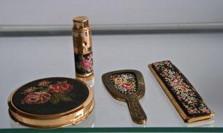 Gobelin Taschen Accessoires Kamm Spiegel Puderdose Parfümzerst.  50er Petit Point Bild