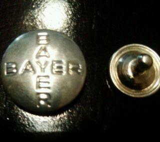 50 Pins /blechknöpfe Mit Einer Inschrift Von Leverkusen Bayer Kreuz Bayer Bild