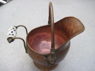 Kleine Kupferschütte Mit Porzellangriff Und 2 X Löwenkopf Aus Messing Kupfertopf Bild