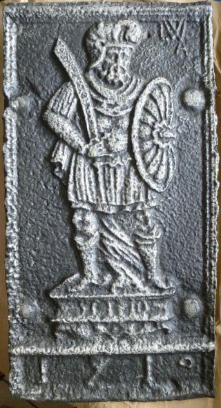 Kaminplatte Ofenplatte Gusseisen Römischer Soldat Bild