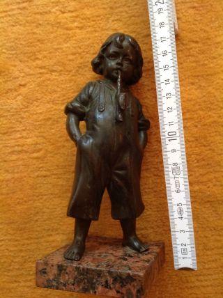Bronze Antike Bronzefigur Junge Mit Stock Auf Marmorsockel 13 Cm