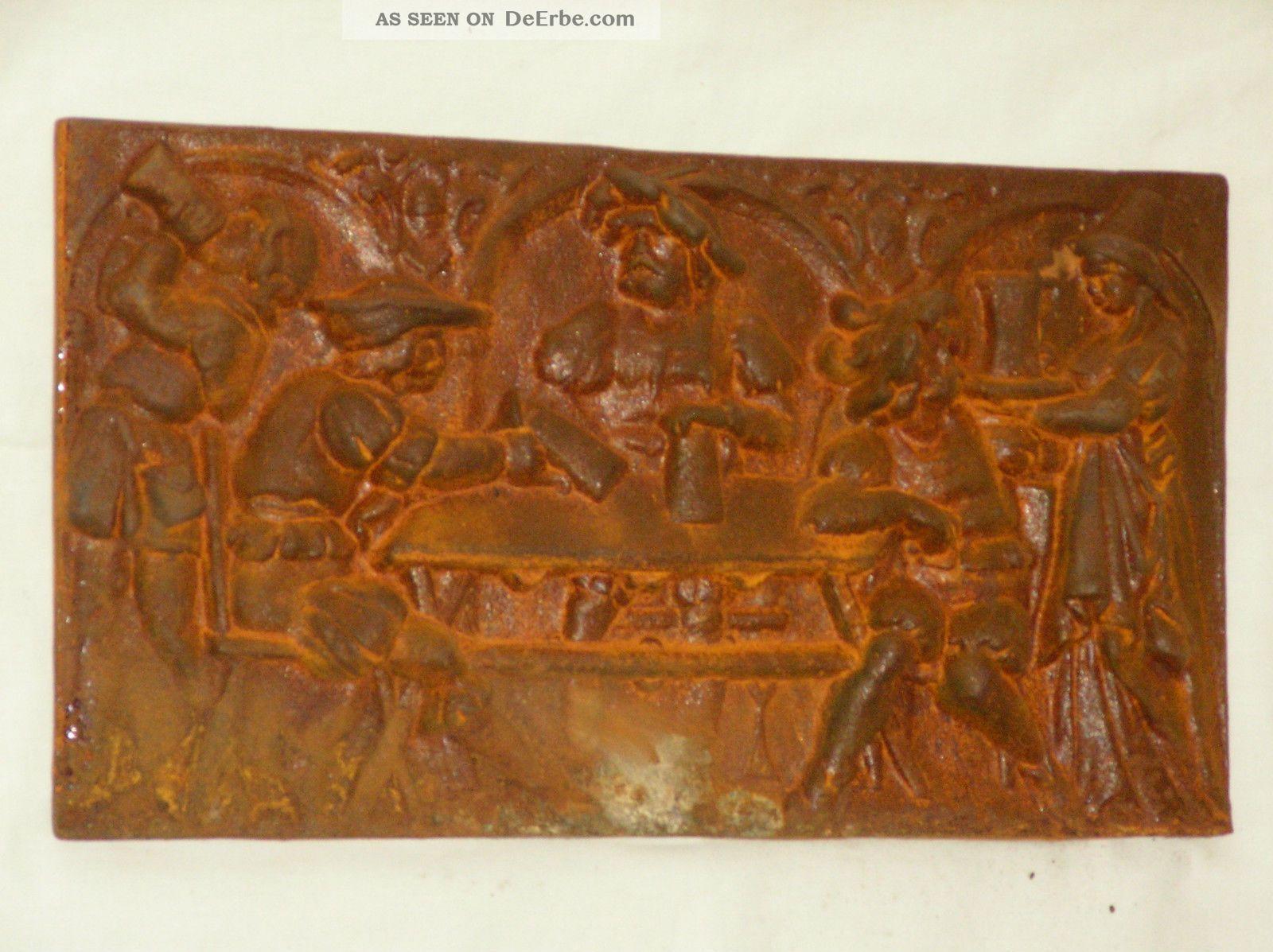 Alte schwere kaminplatte gu eisen rostig metallbild for Gartendeko gusseisen rostig