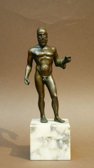 Alte Rarität ' Riace Krieger ' Figur Aus Zinkguss Auf Marmor Sockel Bild