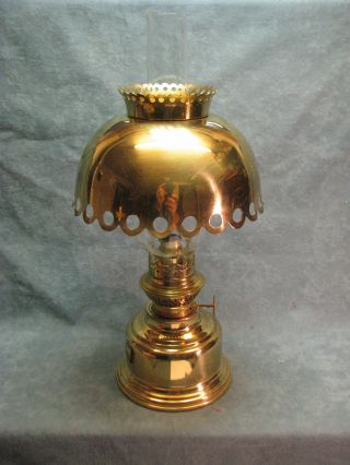 Petroleumlampe Messing Fa.  Sks (erlesenes F.  Tisch,  Haus) 33 Cm Hoch Bild