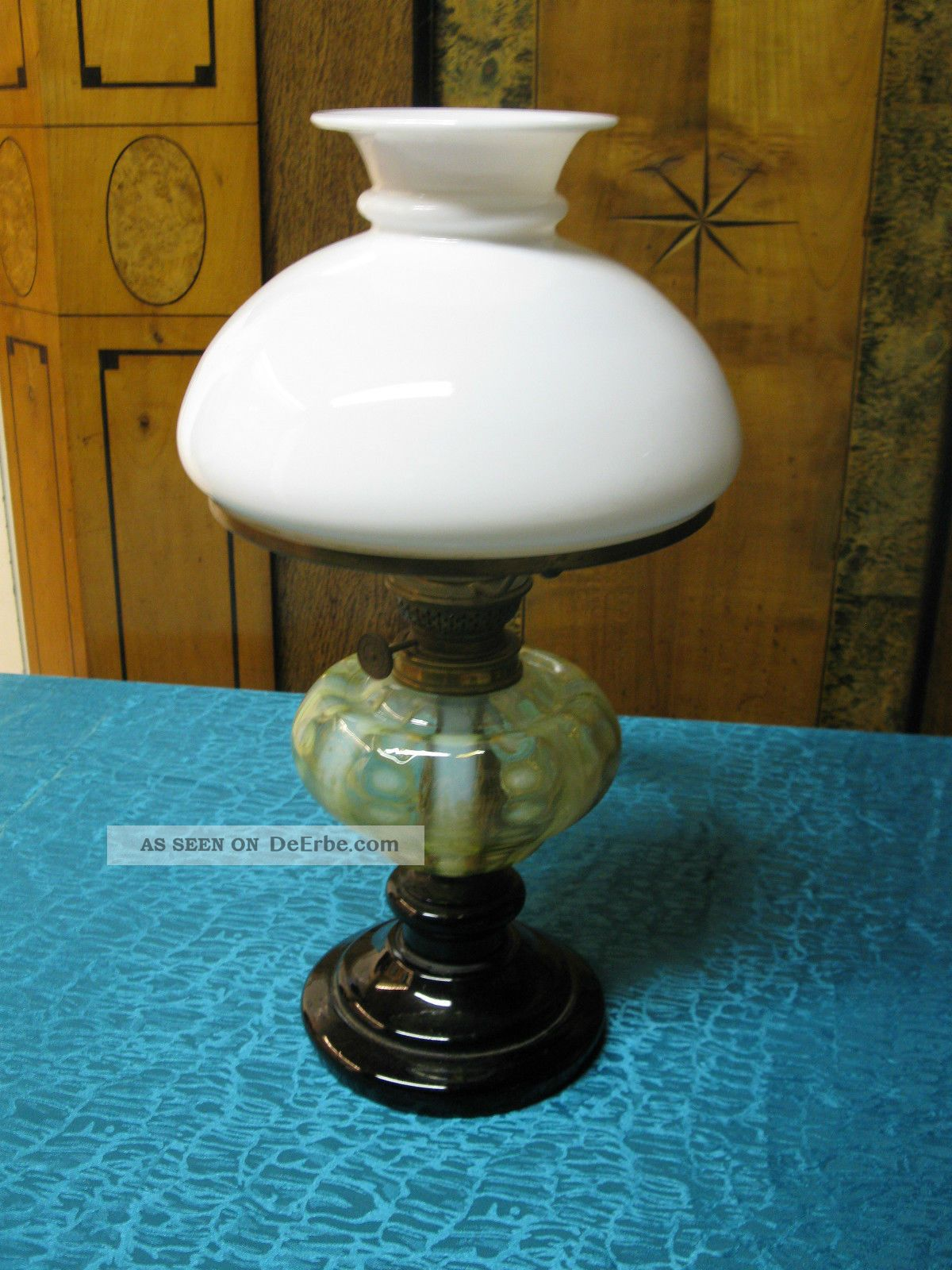uralte antike petroleumlampe glas mit abriss in guter sammelwerter erhaltung. Black Bedroom Furniture Sets. Home Design Ideas