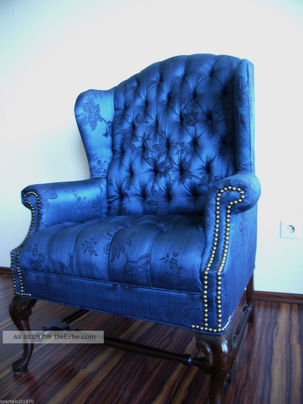 wundersch ner chesterfield sessel royal blau mahagoni mit. Black Bedroom Furniture Sets. Home Design Ideas
