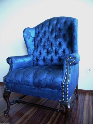 Wunderschöner Chesterfield Sessel Royal Blau Mahagoni Mit Nieten Bild