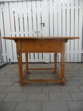 Bauertisch / Weichholztisch / Restaurierungsbedarf /aus Oberbayer Bild