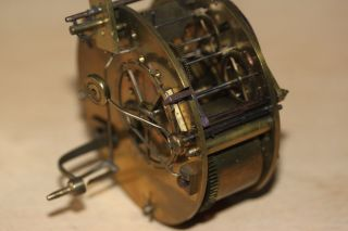 Nr 1 - - - - - Fadenpendulewerk Um 1840 Nur Uhrwerk Bild