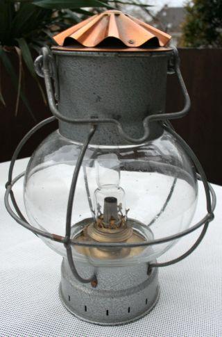 Petroleumlaterne Laterne Sturmlaterne Petroleum Petroleumlampe Lampe Bild