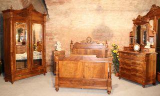 Wunderschönes Elegantes Schlafzimmer Um 1880 In Nussbaum Bild