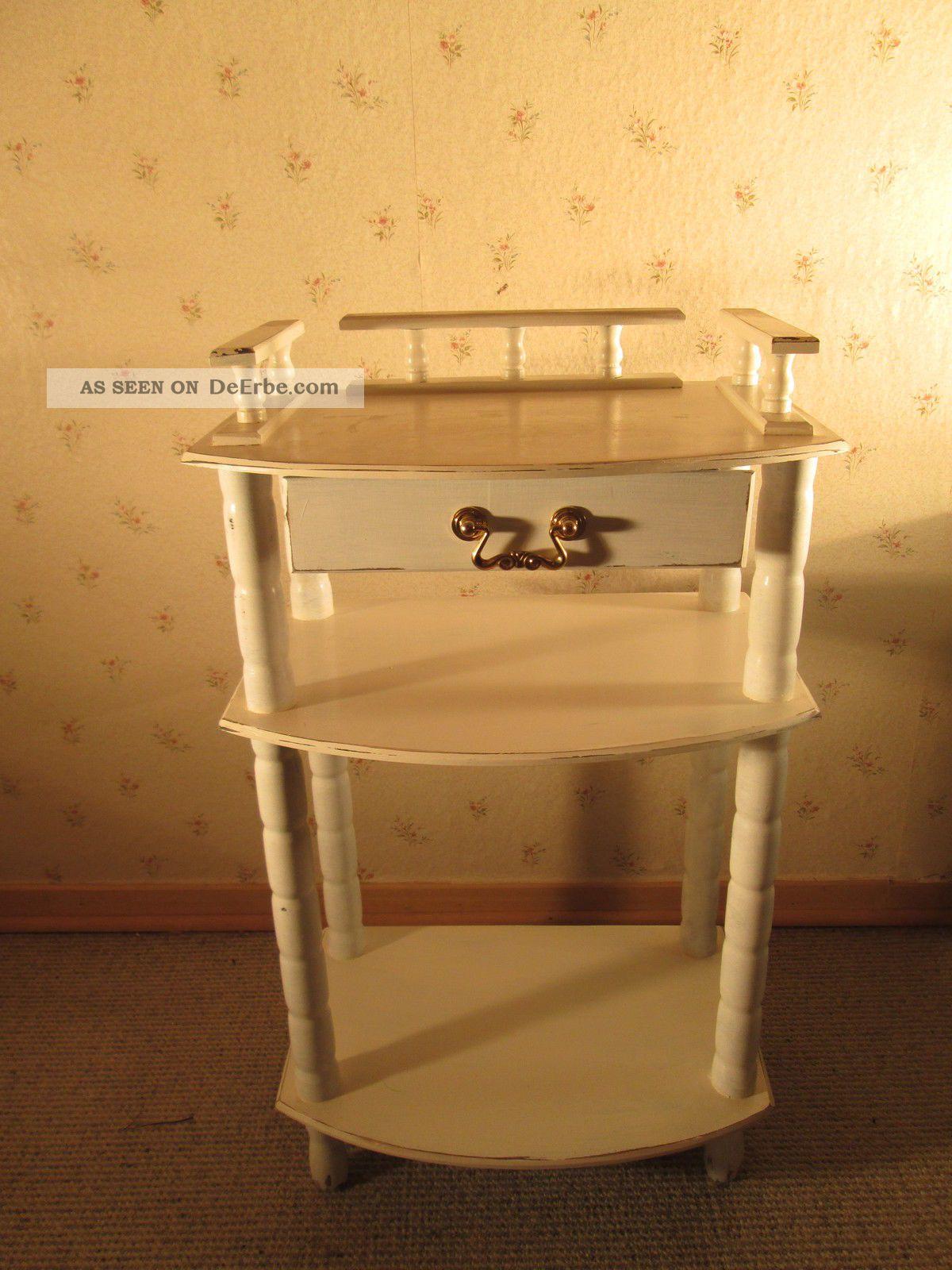 beistellschr nkchen antik aus holz in shabby chic vintage. Black Bedroom Furniture Sets. Home Design Ideas