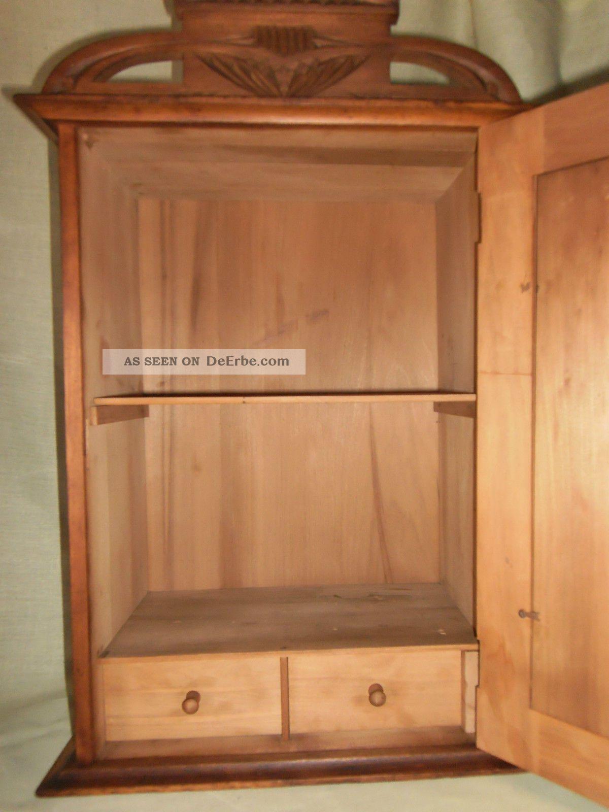 wandschrank mit schubladen elbmbel hngeschrank holz mit zwei holztren mit glastr zwei. Black Bedroom Furniture Sets. Home Design Ideas