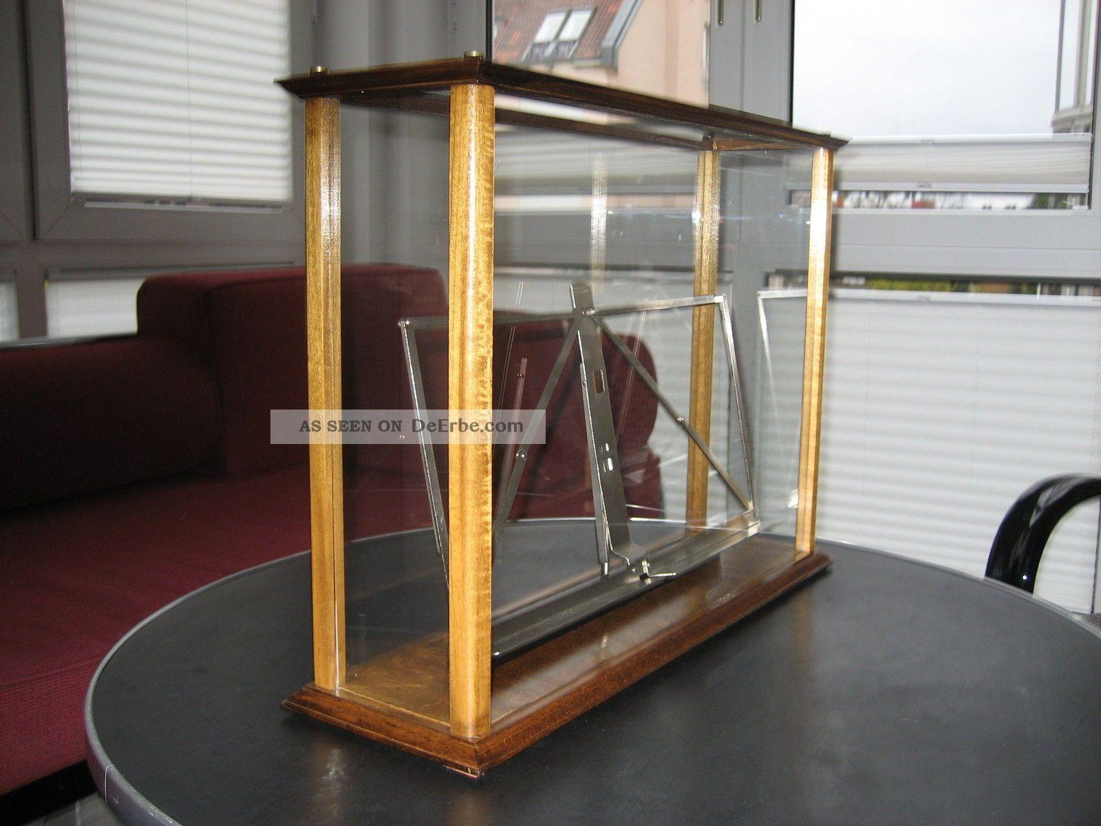 alte kleine pr sentations vitrine art deco alte vitrine. Black Bedroom Furniture Sets. Home Design Ideas