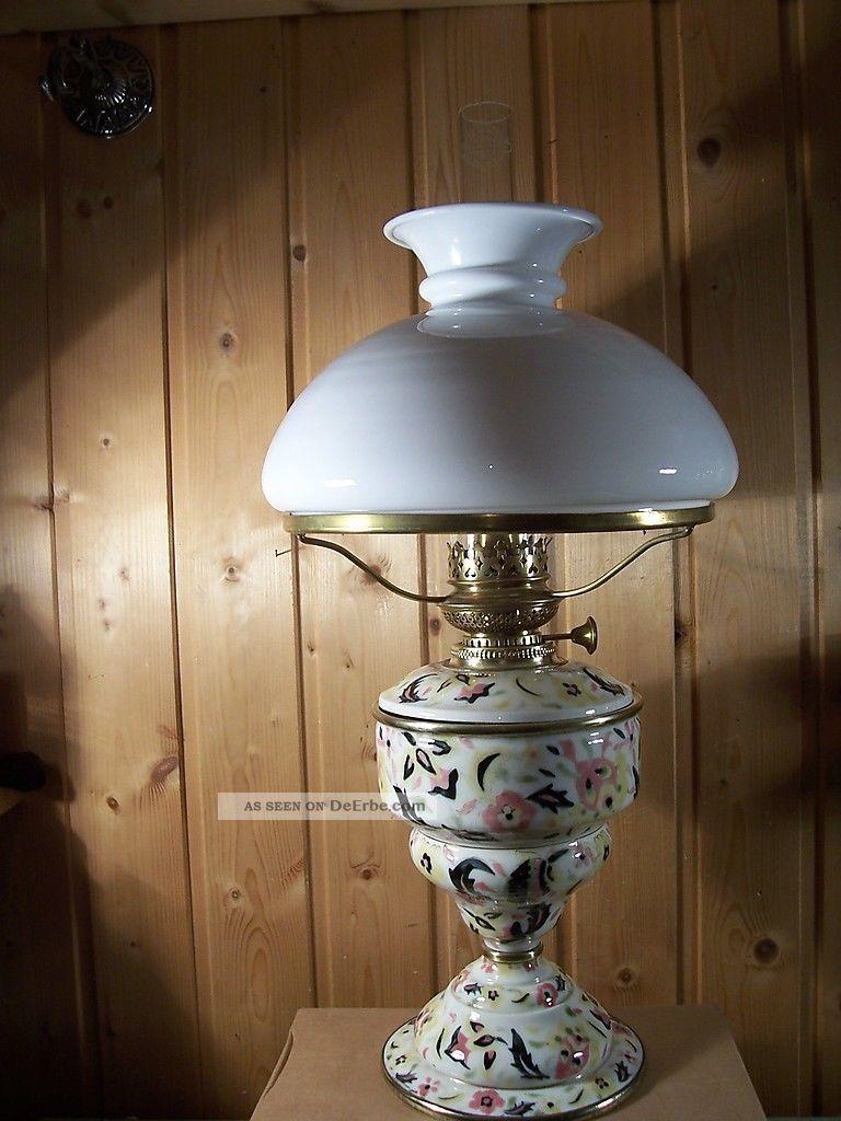 tischpetroleumlampe antik majolika aus sammlung. Black Bedroom Furniture Sets. Home Design Ideas