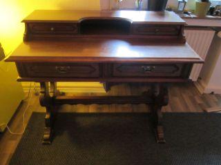 Sekretär,  Schreibtisch Aus Holz Mit Schönen Details Bild