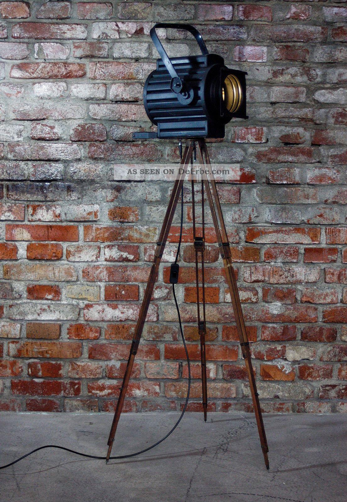 vintage tripod lampe theater lampe holzstativ bauhaus loft lampe. Black Bedroom Furniture Sets. Home Design Ideas